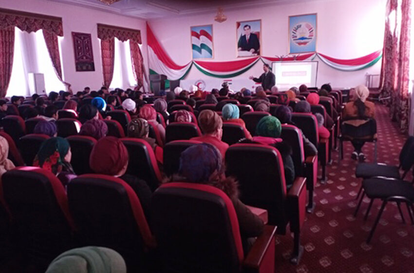 Conducting speeches and meetings in the districts of Rasht valley